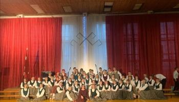 """Iepazināmies ar Jēkabpils valsts ģimnāzijas kori """"Ritums"""""""