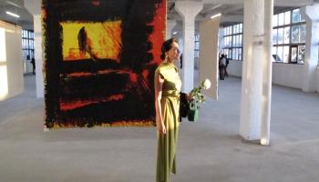 """Cēsu mākslas festivāla izstāde """"Tuvplāni"""", latvieši Ņujorkā un modele Dovanna Pagovski"""
