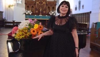 Operdziedātāja, talantu konkursa organizētāja Inese Galante