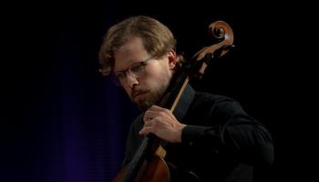 """Kārlis Klotiņš par LJMD tiešsaistes koncertu """"Ligeti. Laika viļņi"""""""