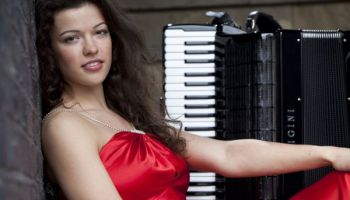 Ксения Сидорова: принцесса и аккордеон