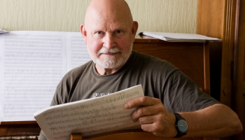"""Pētera Vaska Koncerts vijolei un orķestrim """"Tālā gaisma"""". Vijoles stāsts"""