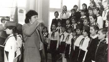 Viss kārtībā – vecāki uz vietas, koris dzied un skan! Līgas Celmas-Kursietes atmiņu stāsts