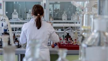 """""""Все реально начиналось с одной пробирки"""": история создания латвийской фармакологии"""