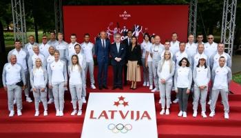 Atceramies hokejistu Matīsu Edmundu Kivlenieku. iepazīstam Latvijas olimpisko delegāciju