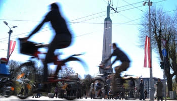 Saruna par velosipēdistu turpmāko likteni un mūsu savstarpējām attiecībām uz ielas.