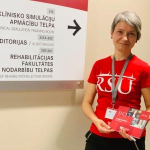 Signe Tomsone, RSU Rehabilitācijas fakultātes dekāne, kura var noskriet maratonu
