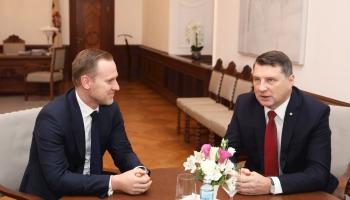 Вейонис отзовёт номинацию Гобземса на пост премьер министра