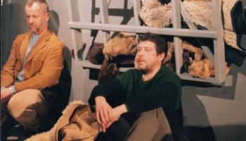 """""""Tumšie brieži"""" Valmieras Drāmas teātrī (2001) - nogalināt, lai izdzīvotu"""