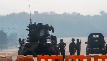 Mjanmā militārs apvērsums. Kremlis piegriež skrūves, Rietumvalstis spriež par saknkcijām