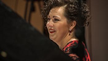 """Koncerts """"Mocarts, Ķeniņš un Čaikovskis"""". Stāsta pianiste Agnese Egliņa"""