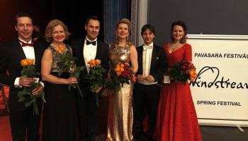 """Orķestris """"Rīga"""", solisti un Kaspars Ādamsons koncertā """"Pavasara balsis"""" (2019)"""
