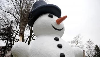 Sniegavīrs Sprīdīša augumā