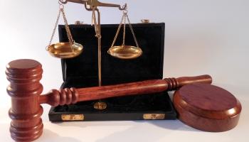 Iesprūduši tiesās: Meklēs cēloņus ilgstoši pirmajā tiesu instancē neizskatītajām lietām
