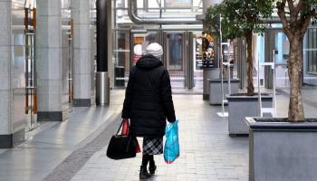 Pēc Lieldienām varēs darboties visi veikali ārpus tirdzniecības centriem