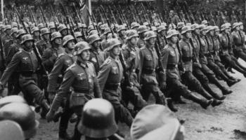 """Otrais pasaules karš: Ieskats cikla """"Satumsums"""" raidījumos. Norises 1939.gadā"""