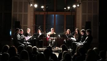 """Matīss Čudars un Latvijas Radio kora grupa koncertā """"Meditācija balsīm un ģitārai"""""""