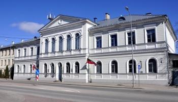 """KNAB aizturējis Jēkabpils mēru un pašvaldības """"Jēkabpils pakalpojumi"""" vadītāju"""