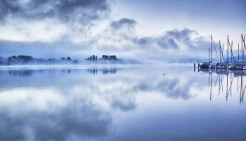 12. novembris. Pirmo reizi nofotografēts Lohnesa ezera briesmonis