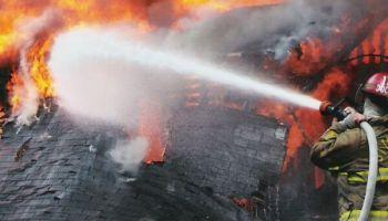 Lai stiprinātu ugunsdrošību Latvijā, brīvprātīgie ugunsdzēsēji cer uz valsts atbalstu