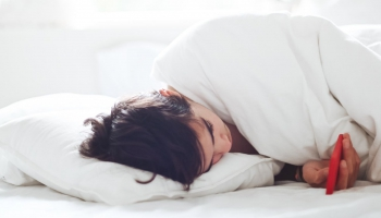 Slikta miega kvalitāte: vai miega zāles palīdzēs risināt problēmu