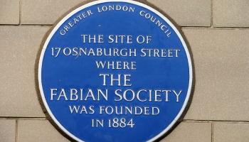 4. janvāris. Londonā nodibina Fabiāņu biedrību
