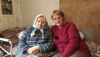 Juanna gadiem kopj gulošo māti: Uzskatu to par savu pienākumu, mūsu ģimenē tā pieņemts