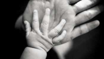 Šķīrusies četru bērnu māte: svarīgi savu bērnu cienīt jau no ieņemšanas brīža