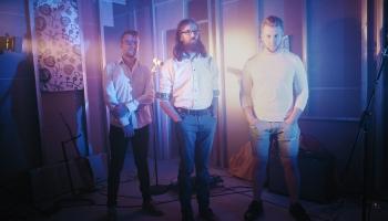 Rokmūzikas trio B OPTIMIST izdod albumu un publicē jaunu video