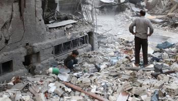 Kara plosītā Sīrijas pilsēta Alepo. Notikumus analizē pētnieks Toms Rātfelders