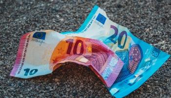 Tieslietu ministrija rosina noteikt papildu ierobežojumus uzturlīdzekļu parādniekiem