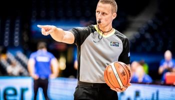 Basketbola tiesnesis Mārtiņš Kozlovskis gatavojas olimpiskajām spēlēm Tokijā
