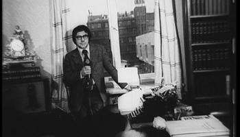 """Māris Čaklais ar dzejoli """"Piemineklis Rainim"""" (1972)"""