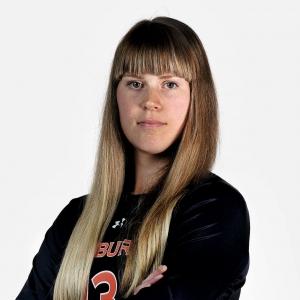 Māksliniece un volejboliste Enija Bidzāne. Sporta un mākslas ceļi viņi aizvaduši uz Parīzi