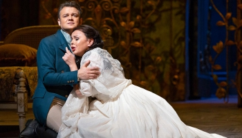 """Džuzepes Verdi """"Traviata"""" Ņujorkas Metropoles operā. Diriģents - Karels Marks Šišons"""