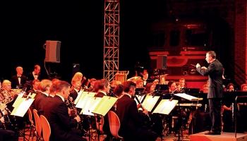 """Orķestris """"Rīga"""" 14. jūnija piemiņas koncertu rīkos tiešraidē. Saruna ar Valdi Butānu"""