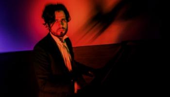 Pianists Andrejs Osokins piedāvā jaunu albumu un divus tiešraides koncertus