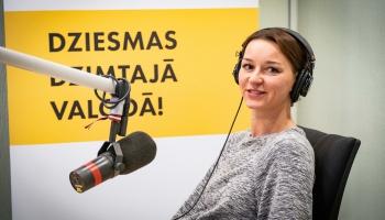 Ar jaunu dziesmu vasarīgās noskaņās Marija Naumova atgriežas pie klausītājiem