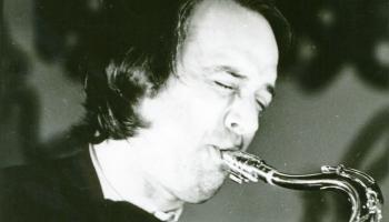 Saksofonists Raimonds Raubiško muzicē ar draugiem