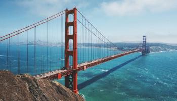 """27. maijs. Atklāj """"Zelta vārtu"""" tiltu Sanfrancisko, ASV"""