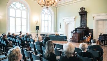 Dienas apskats.LU svinīgajā Senāta sēdē sveic goda doktorus, profesorus un jaunos doktorus