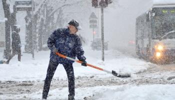 У семи нянек: как (не) работает система уборки снега в Риге