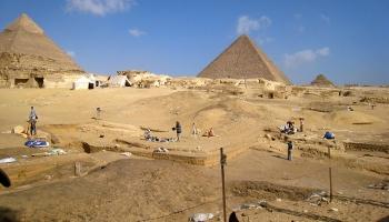 Dienas apskats. Atvērta piramīda, kuru restaurēja LU Ģeoloģijas nodaļas pētnieki