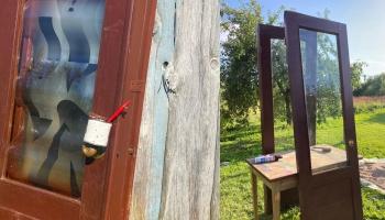 """Limbažu pilsētvidē būs aplūkojami 13 mākslinieku veidoti vides objekti """"Durvis"""""""