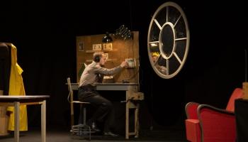 """Ģertrūdes ielas teātrī tapusi tālizrāde """"Krēsls"""". To iestudējis Andrejs Jarovojs"""
