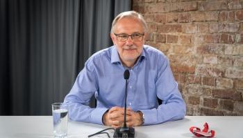 Krustpunktā klausītāju zvanus uzklausa arī Latvijas Universitātes profesors Mārcis Auziņš