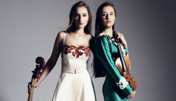Dubultportretā mūziķes – māsas Margarita un Kristīne Balanas