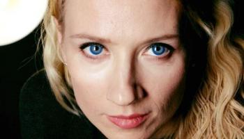 """""""Start-up"""" karaliene Anna Andersone: Mūzika, tāpat kā mīlestība, palīdz tikt pāri grūtībām"""