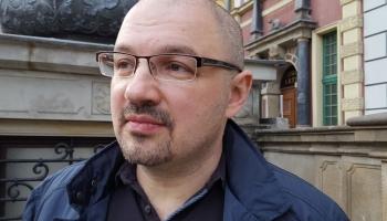 """Sergejs Moreino un mūzika krievu dzejnieku dzejas antoloģijā """"Dziedāšanas stunda"""""""