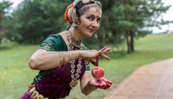 Преподаватель классического индийского танца: Я накопила костюмное богатство